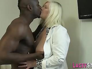 Granny enjoys anal concerning a beamy dark-hued cock