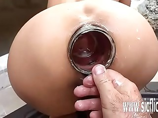 Precedent-setting amateur anal fisting plus insertions
