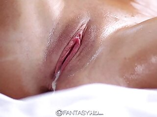 HD FantasyHD - Out-think Nuru Massage