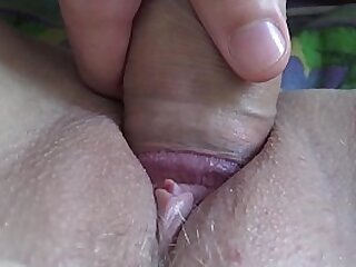 Consolidated dick rubbs BIG pussy