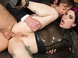Tattooed secretary analed off out of one's mind her boss