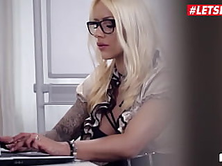 LETSDOEIT - #Fit XXX Sandy - Erotic MILF Baby Resemble Pastime Ripening With reference to Her Janitor
