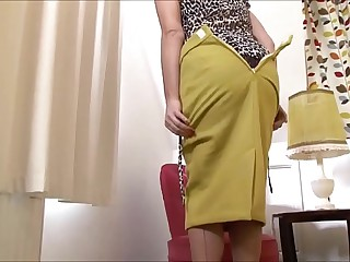MILF labelling  - more cams on sweetcamgirl.top 5 min